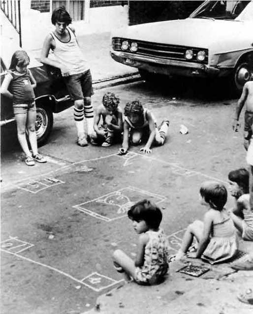 kids playing skellys